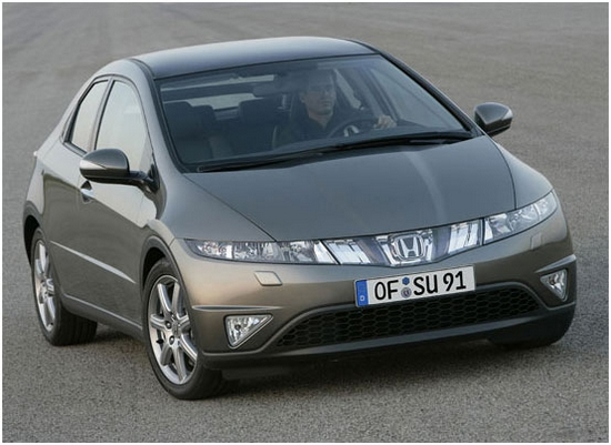 Автомобиль  Хэтчбек Honda Civic 5D